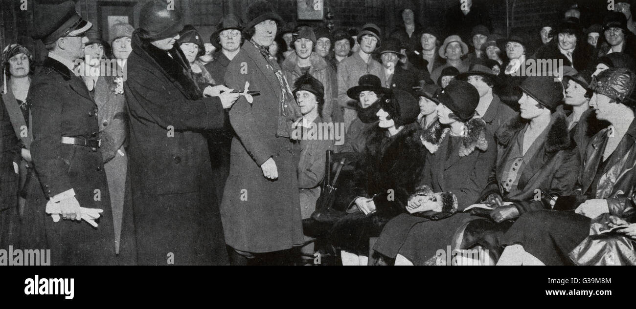 Volunteers join the Women's  Auxiliary Corps         Date: 1926 - Stock Image