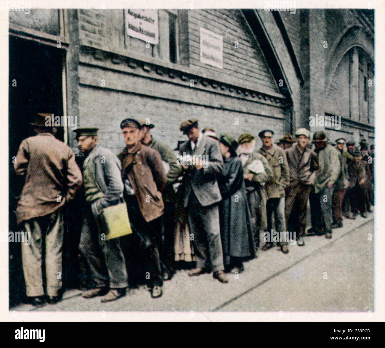The poor queue at a state soup  kitchen - a symptom of  inflation.        Date: September 1921 - Stock Image