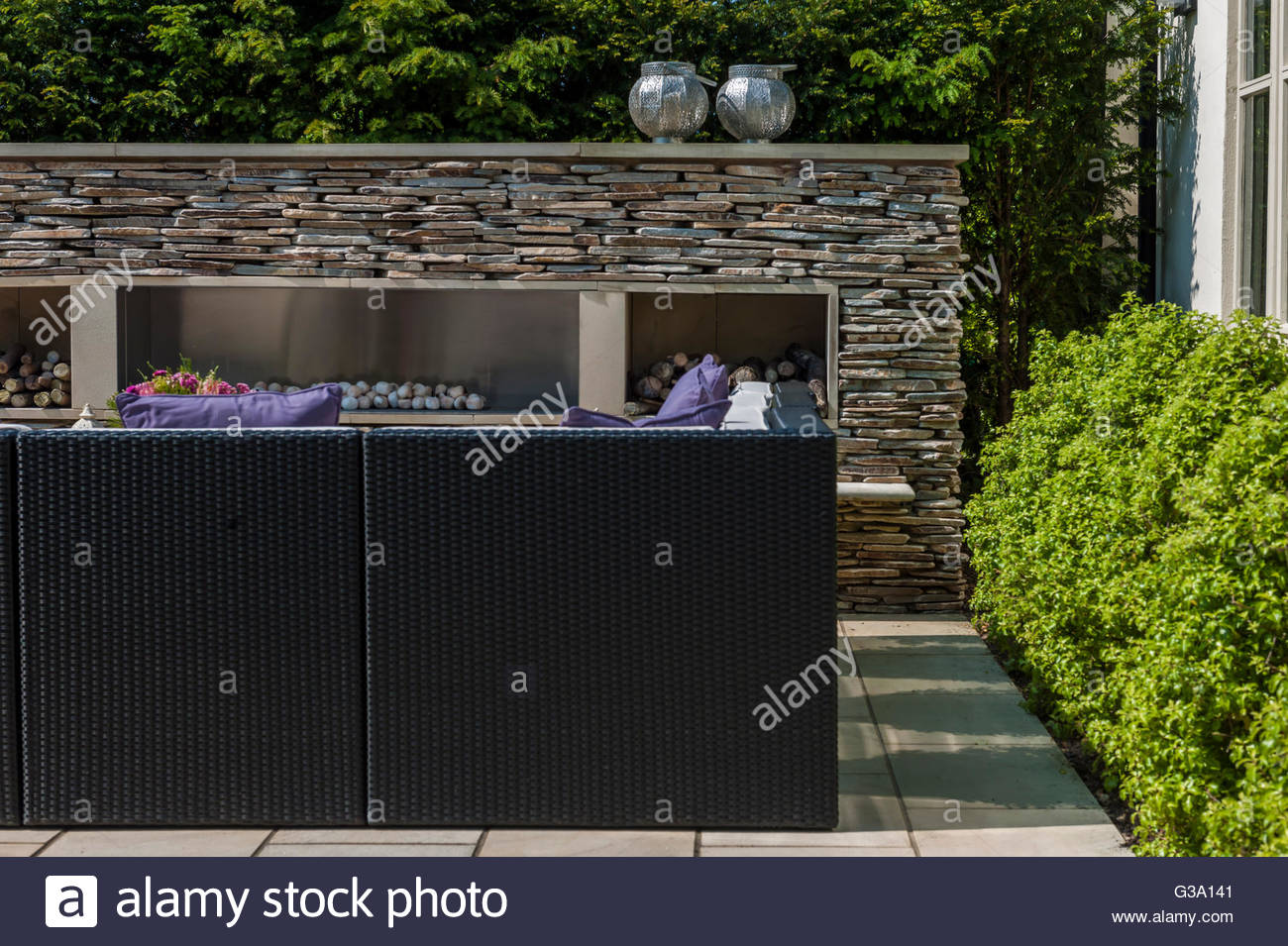modern contemporary walled garden - Stock Image