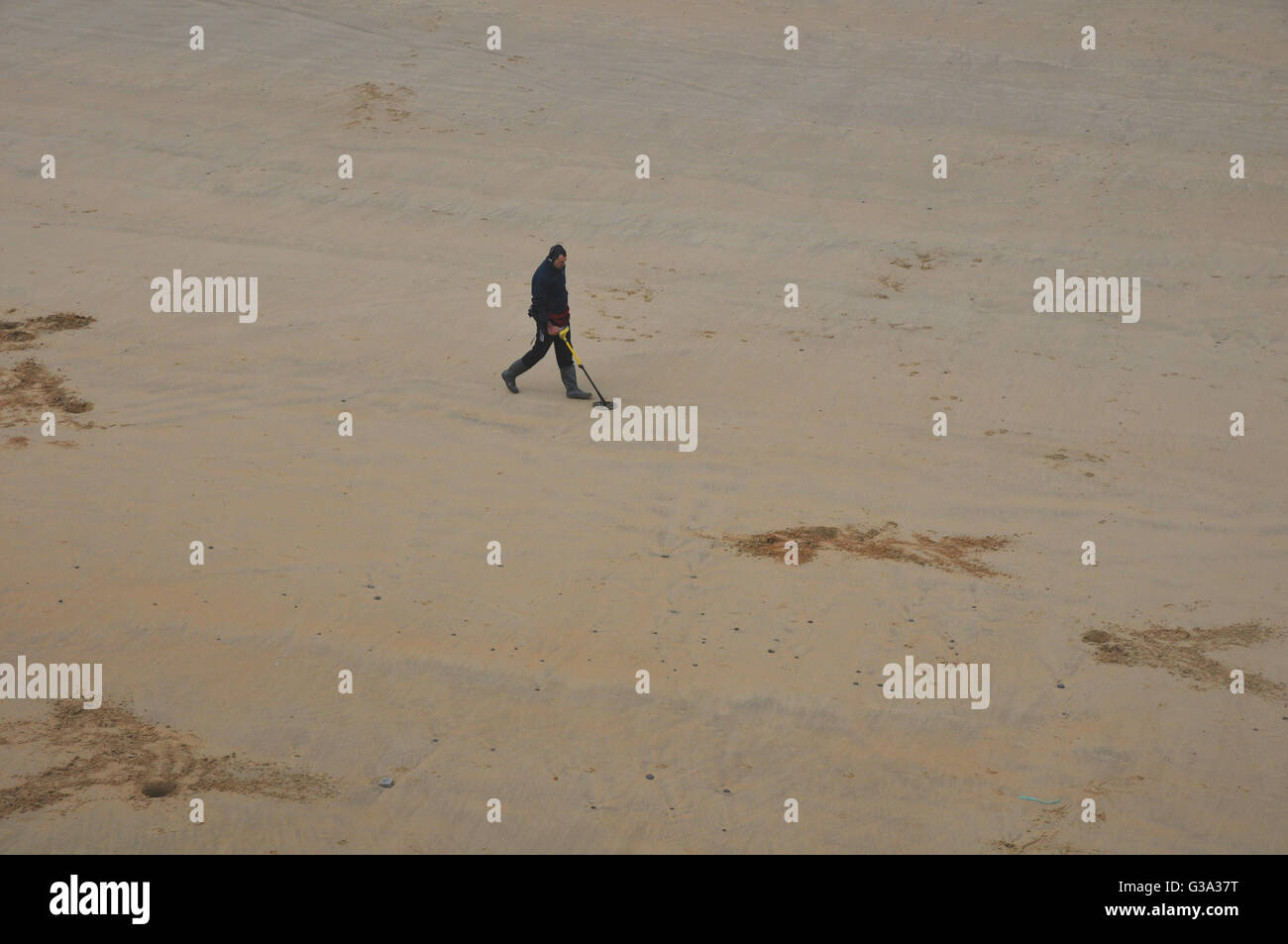 Jew Detector: Man Metal Detector Beach Stock Photos & Man Metal Detector