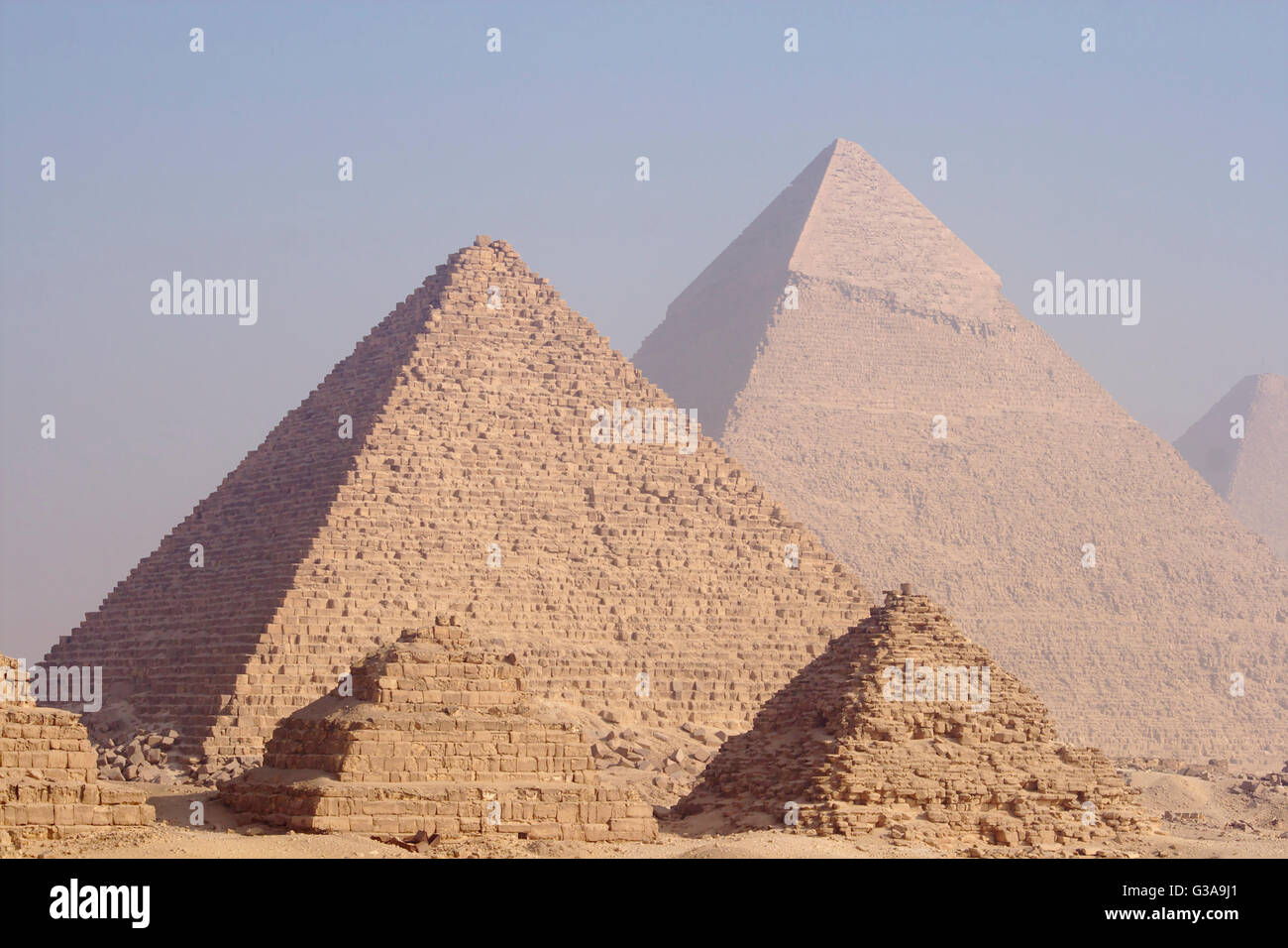 Pyramids of Giza (Queens Pyramids, Pyramid of Menkaure, Pyramid of Khafre, Pyramid of Cheops), Egypt - Stock Image