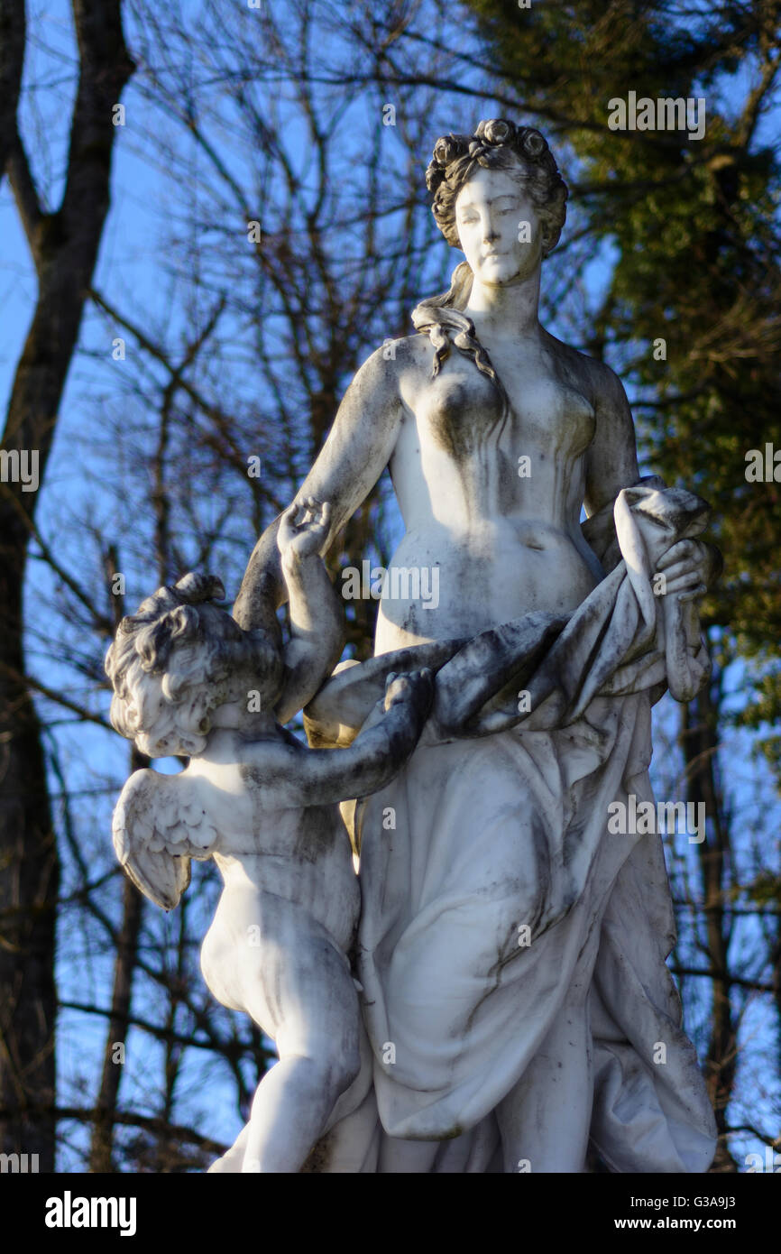 lake Chiemsee: island Herrenchiemsee: statue at Herrenchiemsee Palace, Germany, Bayern, Bavaria, Oberbayern, Chiemsee, - Stock Image
