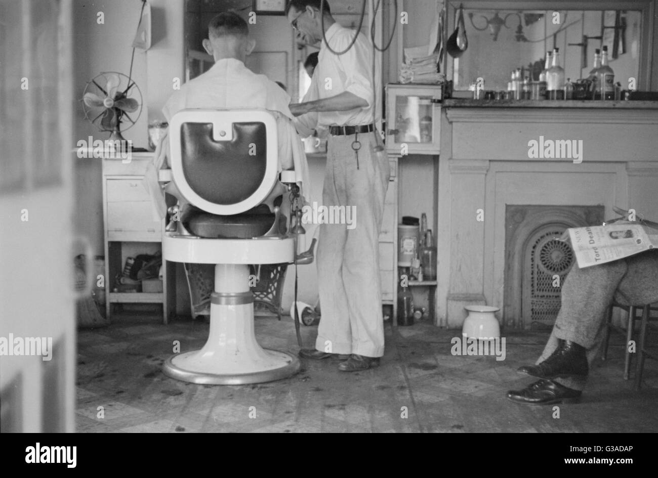 American barber shop     Date: late 1930s - Stock Image