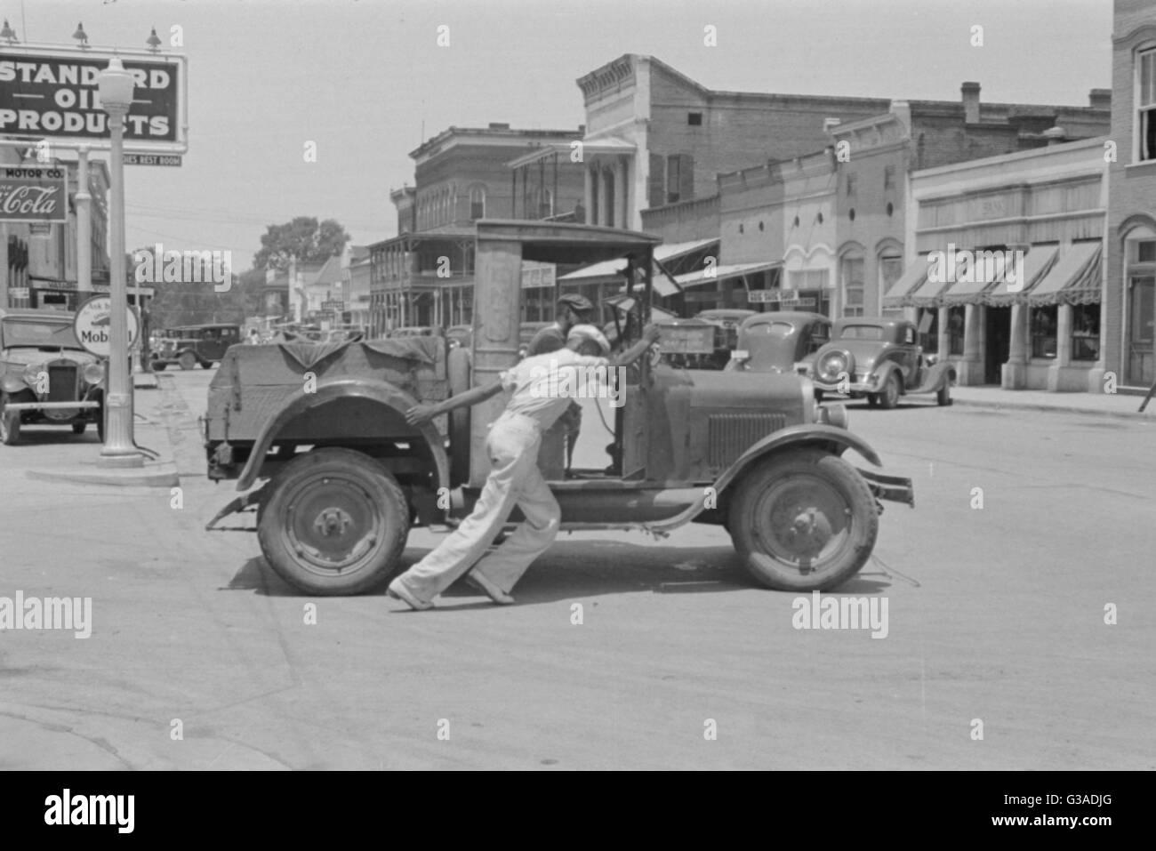 Old Banger Car Stock Photos & Old Banger Car Stock Images - Alamy