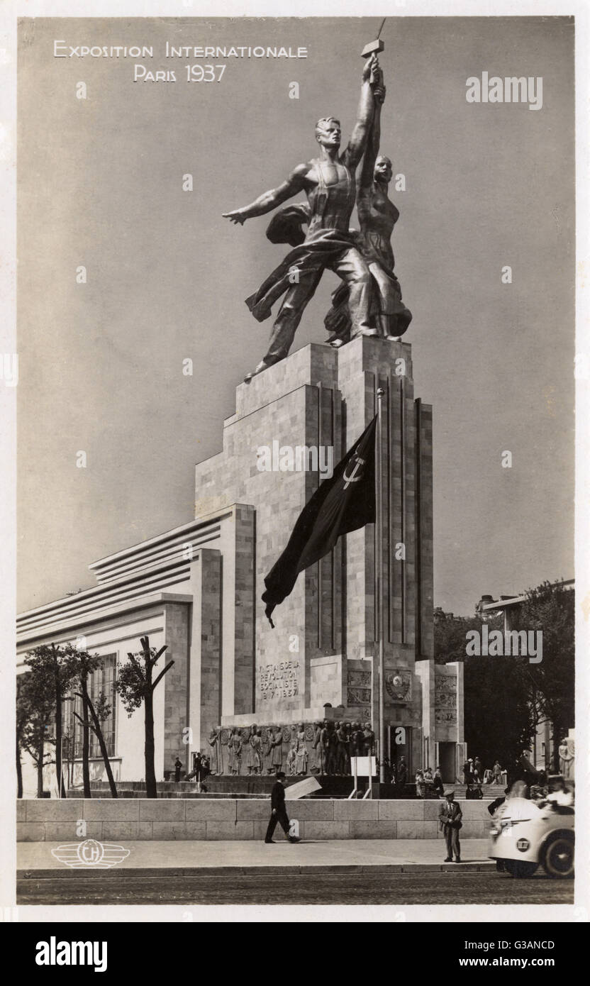 Exposition Internationale Paris - The USSR Pavilion, designed by Iophan.     Date: 1937 - Stock Image