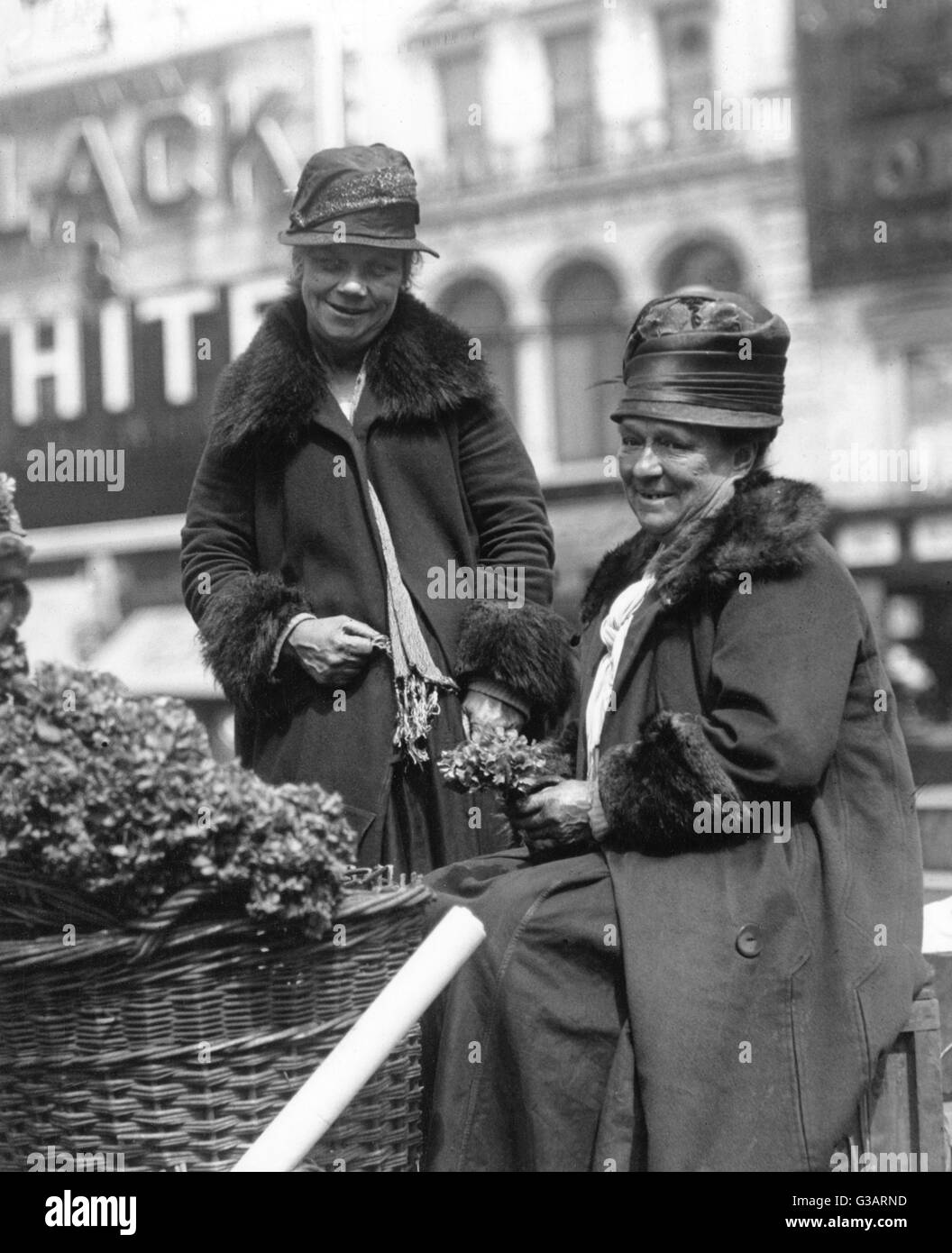Dating in the 1920s and 1930s