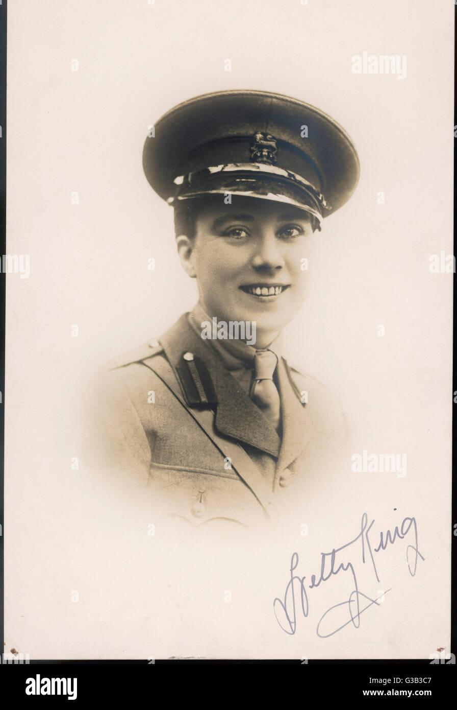 HETTY KING  Variety artiste and male impersonator,  seen here in uniform      Date: early 20th century - Stock Image