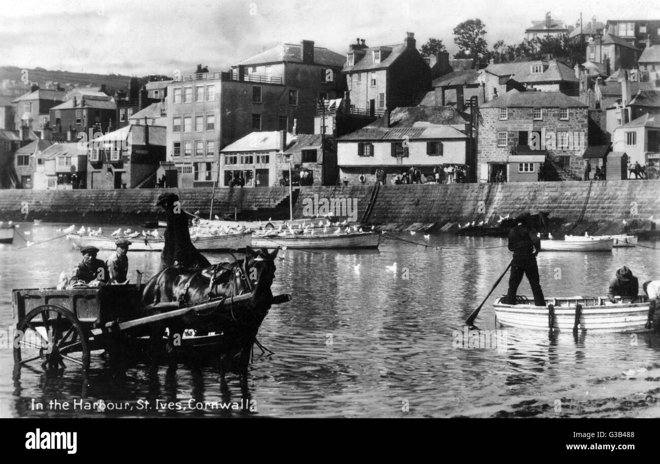 St Ives, Cornwall:  the harbour        Date: 1930 - Stock Image
