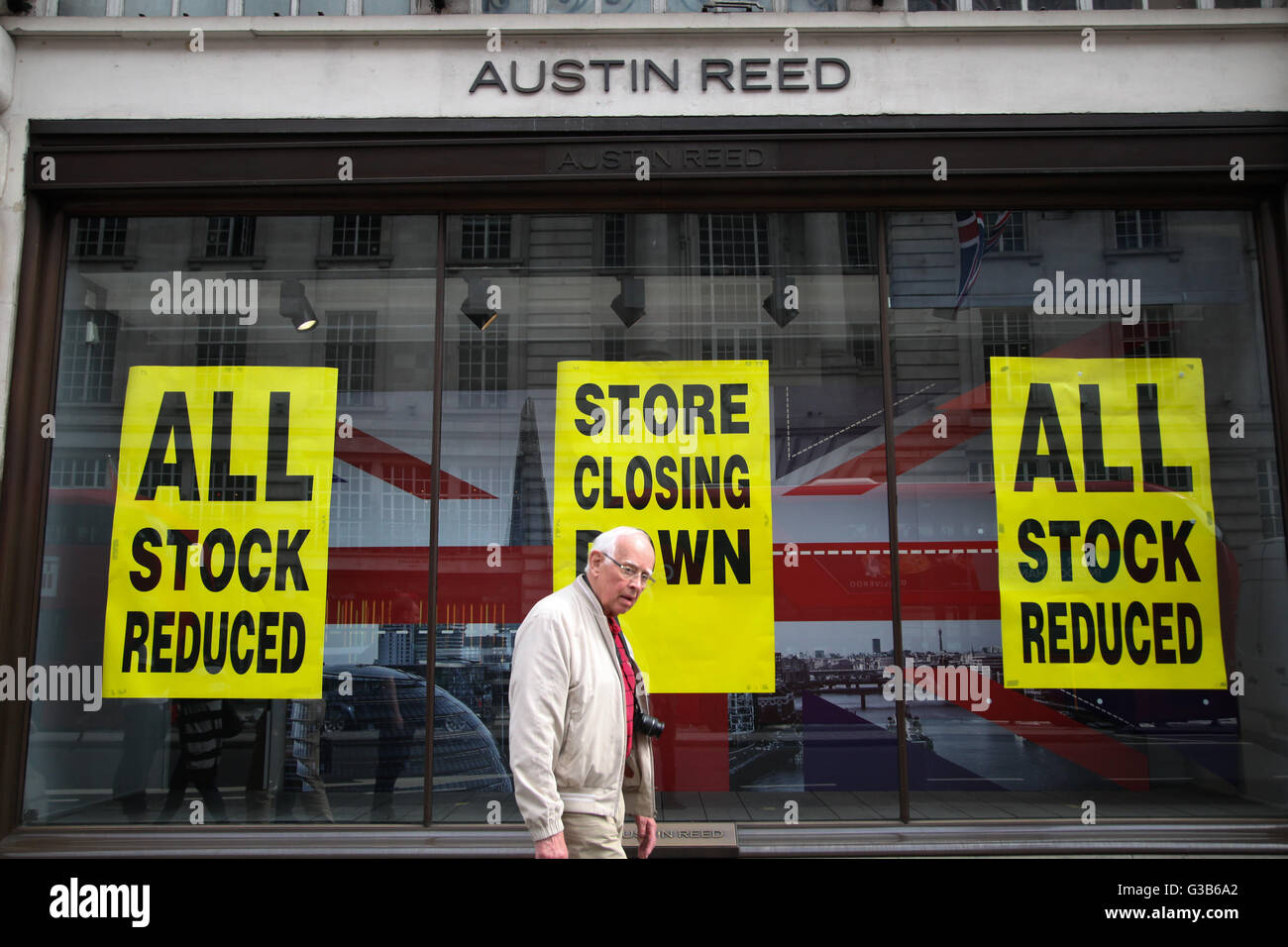 Retailer Austin Reed is to close all its stores by the end of June with the loss of 1000 - Stock Image