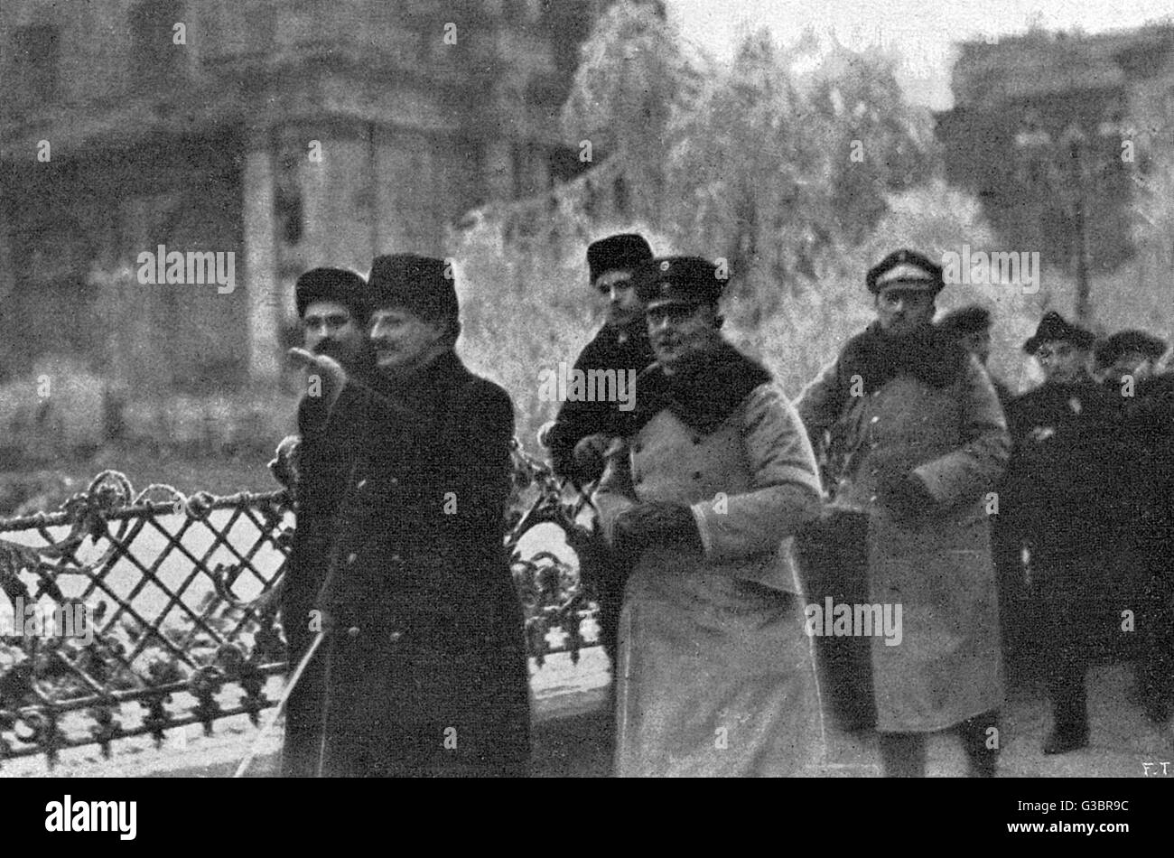 LEON TROTSKY Russian statesman, at Warsaw  1919 during the peace of  Brest-Litovsk - he is nearest  camera in foreground. - Stock Image