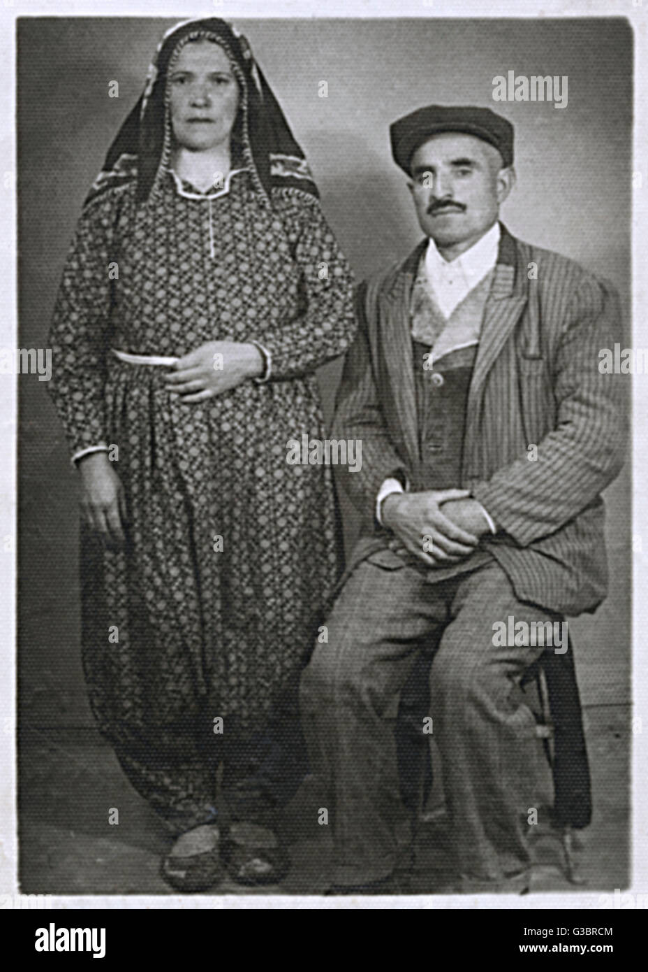 Turkish peasant couple - 1930s.     Date: 1930s - Stock Image
