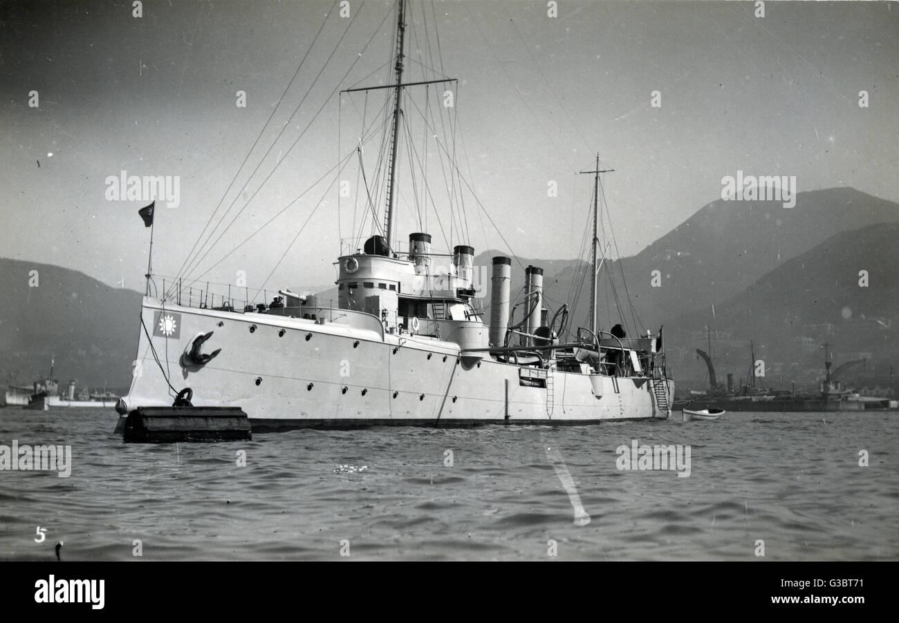 Chinese cruiser Tung Chi, Hong Kong.      Date: circa 1920s - Stock Image