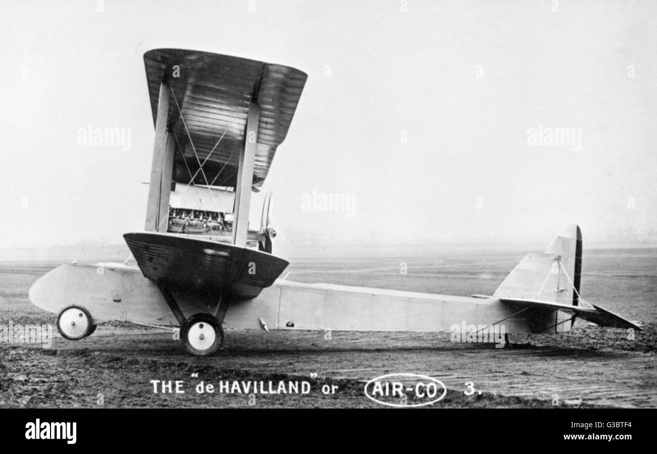 De Havilland Airco, British biplane on an airfield.      Date: early 20th century - Stock Image