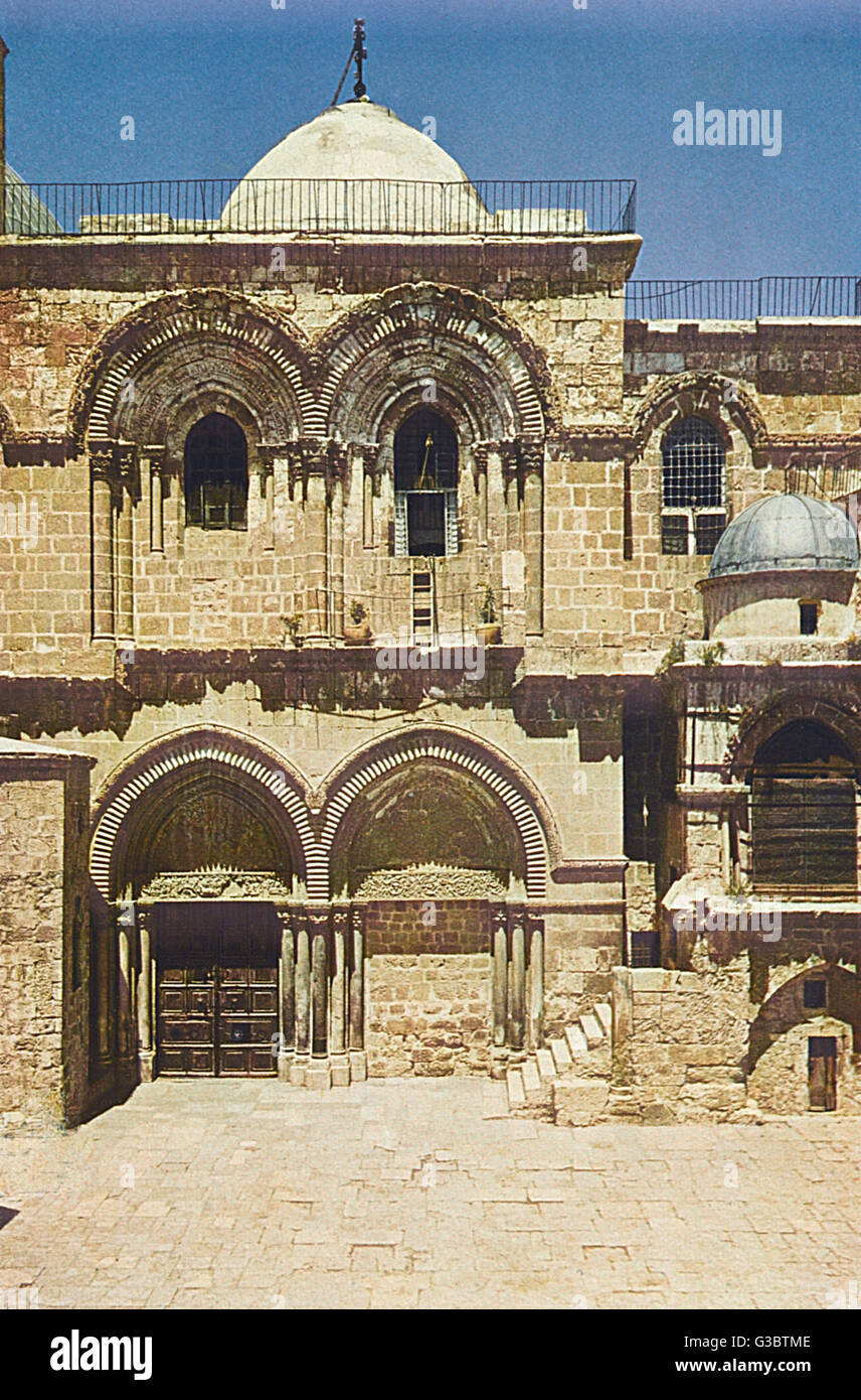 Church of the Holy Sepulchre, Jerusalem.      Date: 1920s - Stock Image