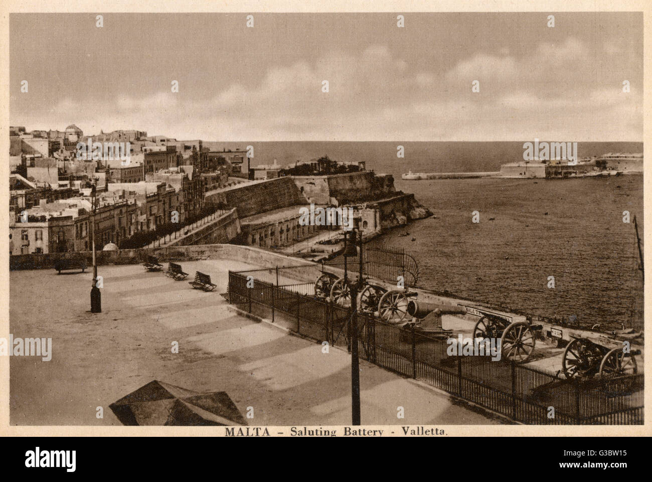 Malta - Valletta - The saluting battery     Date: circa 1920s - Stock Image