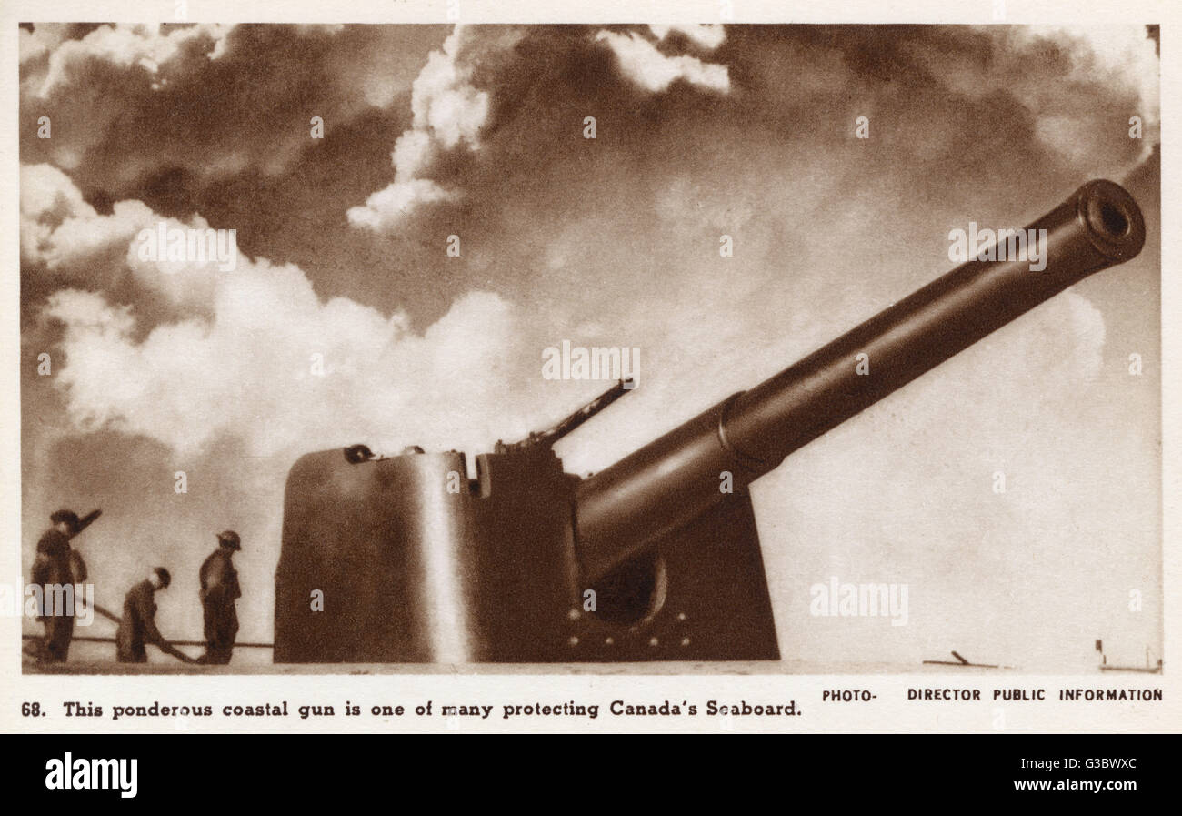 'Ponderous' coastal gun protecting the Canadian seaboard - WW2     Date: circa 1940 - Stock Image
