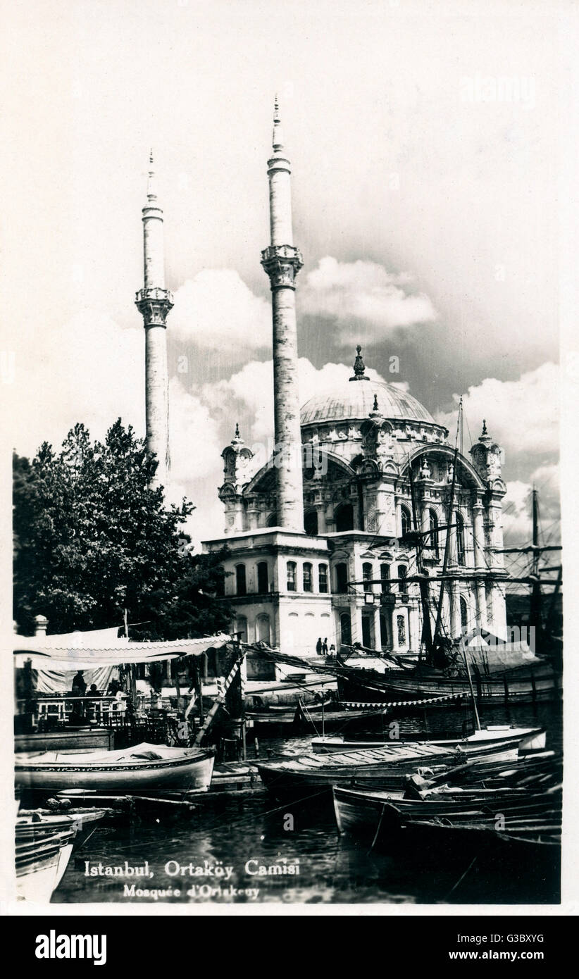 Ortakoy Mosque (Ortakoy Camii), officially the Buyuk Mecidiye Camii (Grand Imperial Mosque of Sultan Abdulmecid) - Stock Image