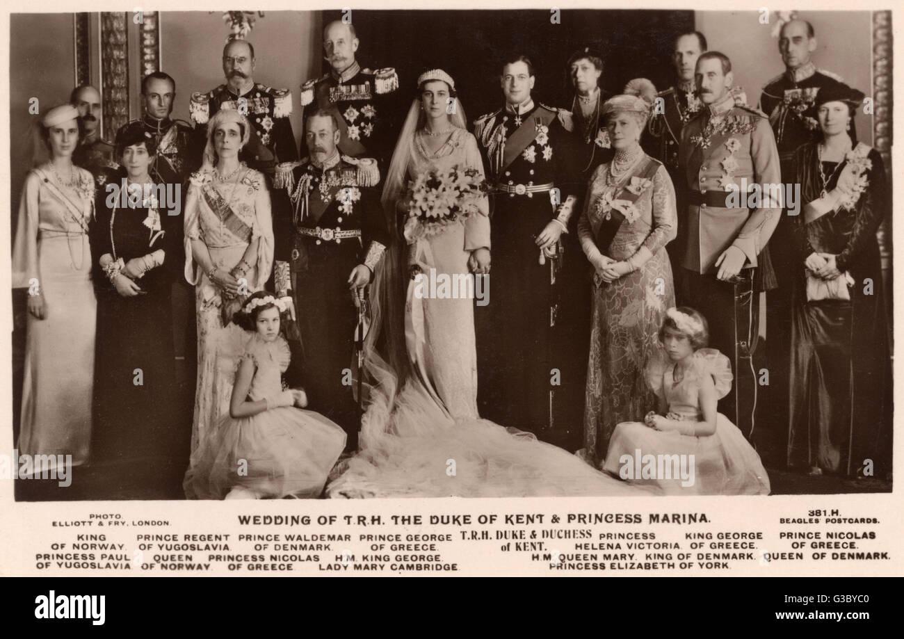 A formal group photograph at the royal wedding between Prince George, Duke of Kent and Princess Marina of Greece - Stock Image
