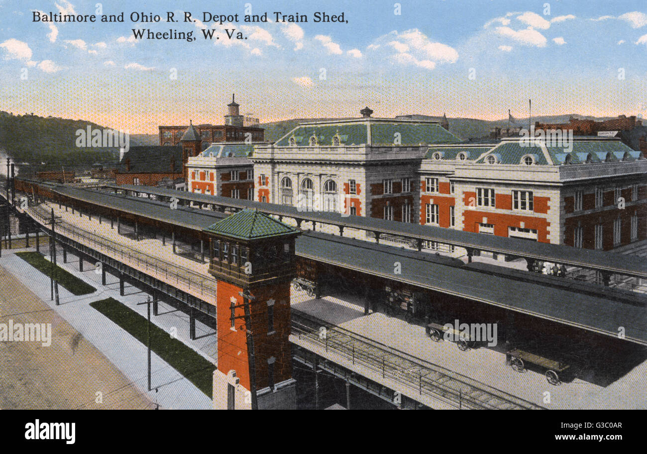 Baltimore and Ohio Railway depot and train shed, Wheeling, West Virginia, USA.      Date: 1911 - Stock Image