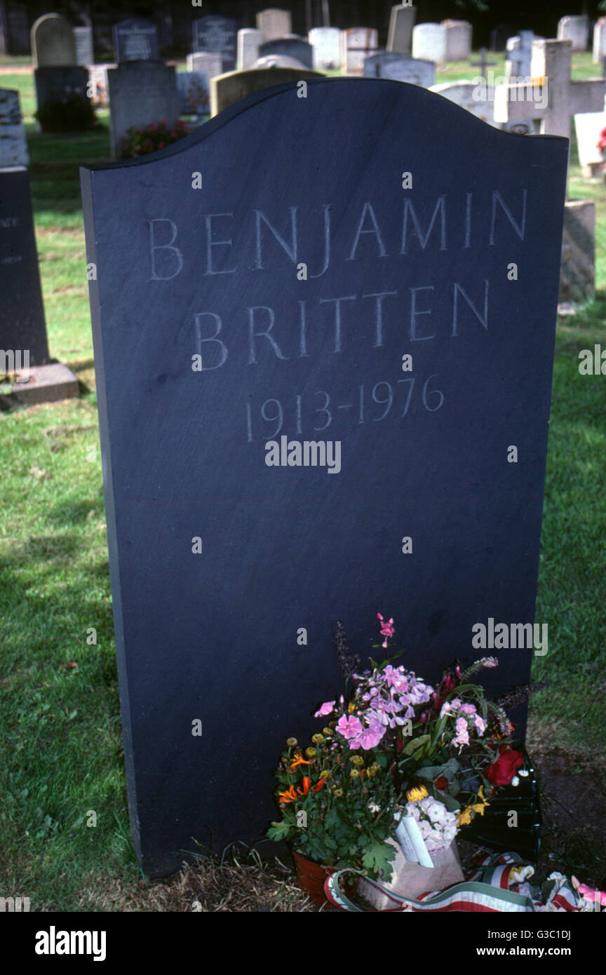 Grave of Benjamin Britten (1913-1976), British composer, in the churchyard of St Peter and St Paul, Aldeburgh, Suffolk. - Stock Image