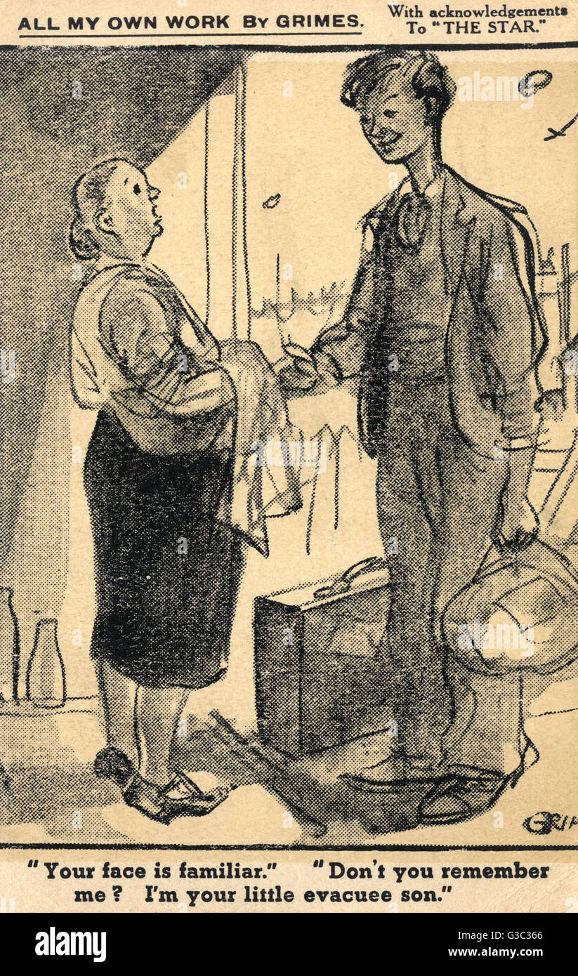 Evacuee Son (who has had a growth spurt!) returns home to a surprised Mother!!     Date: circa 1940s - Stock Image