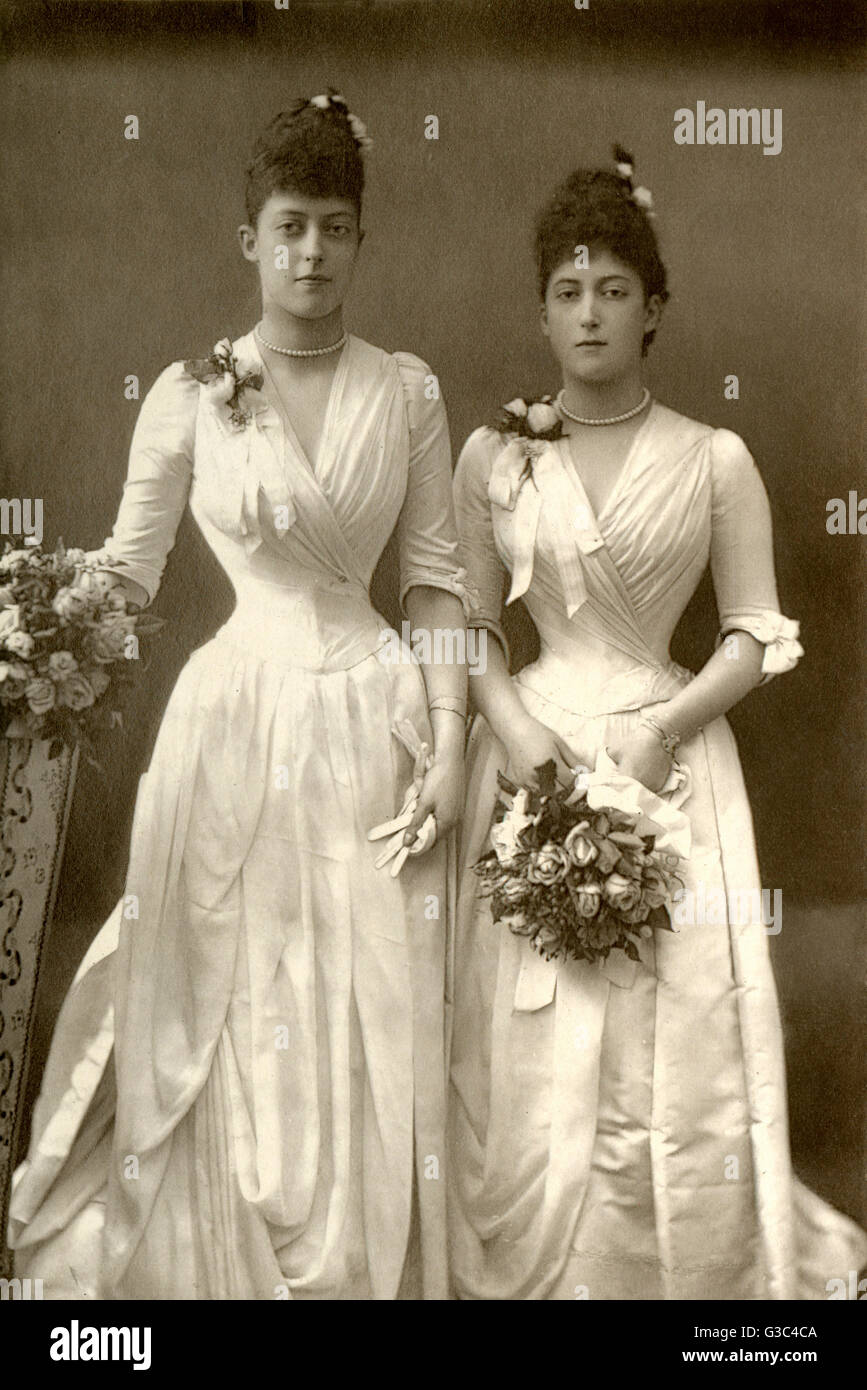 The Princesses Victoria (1868-1935) and Maud of Wales (1869-1938), the future Queen of Norway (reigned 1905-1938), - Stock Image