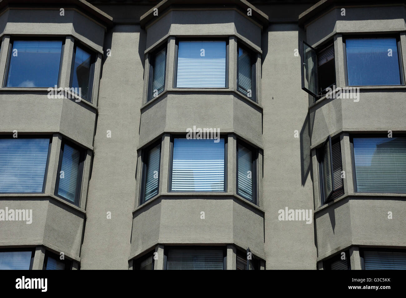 Bay windows on the exterior of a generic apartment building in San Francisco California. - Stock Image