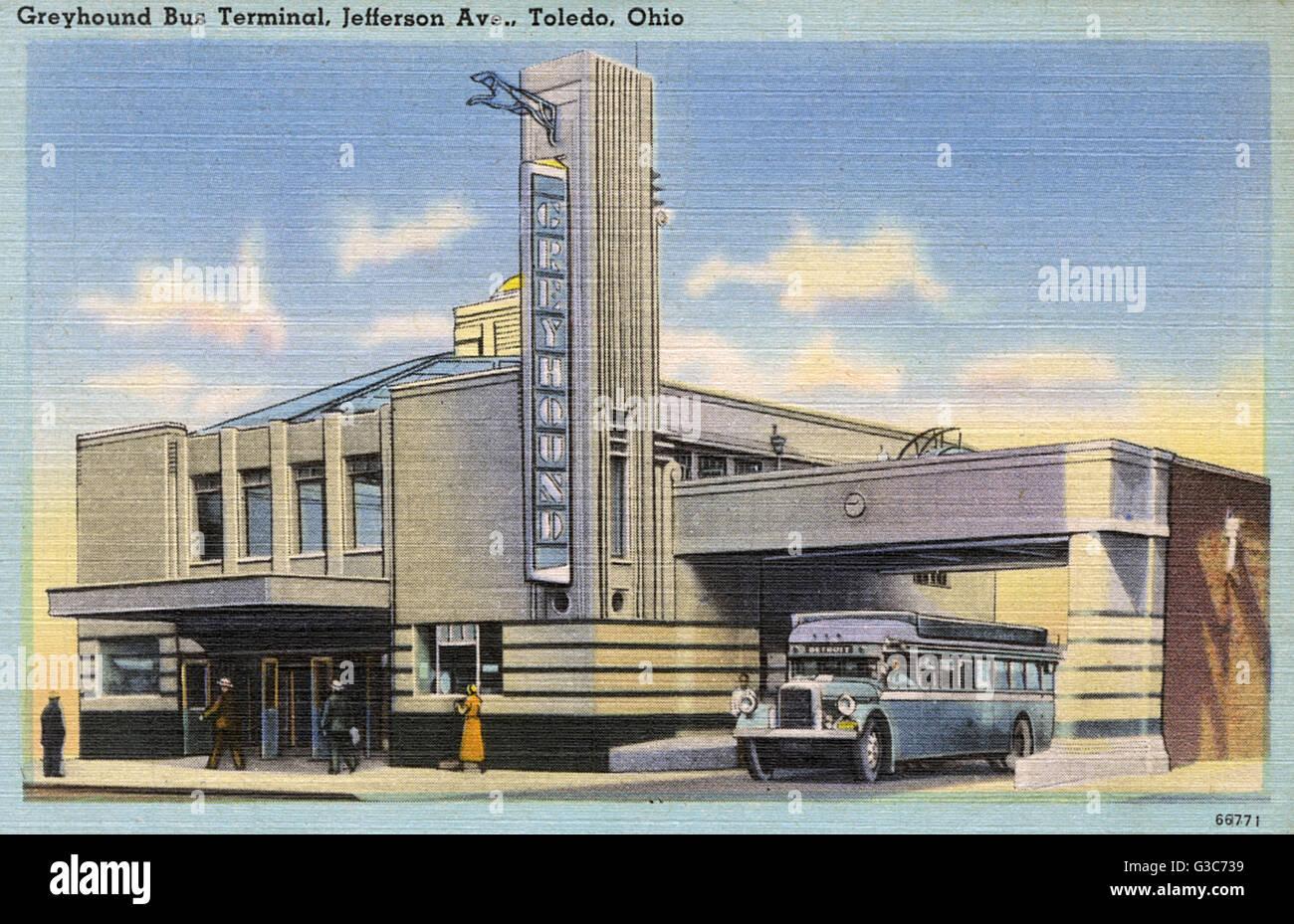 Greyhound Bus Terminal Stock Photos & Greyhound Bus Terminal