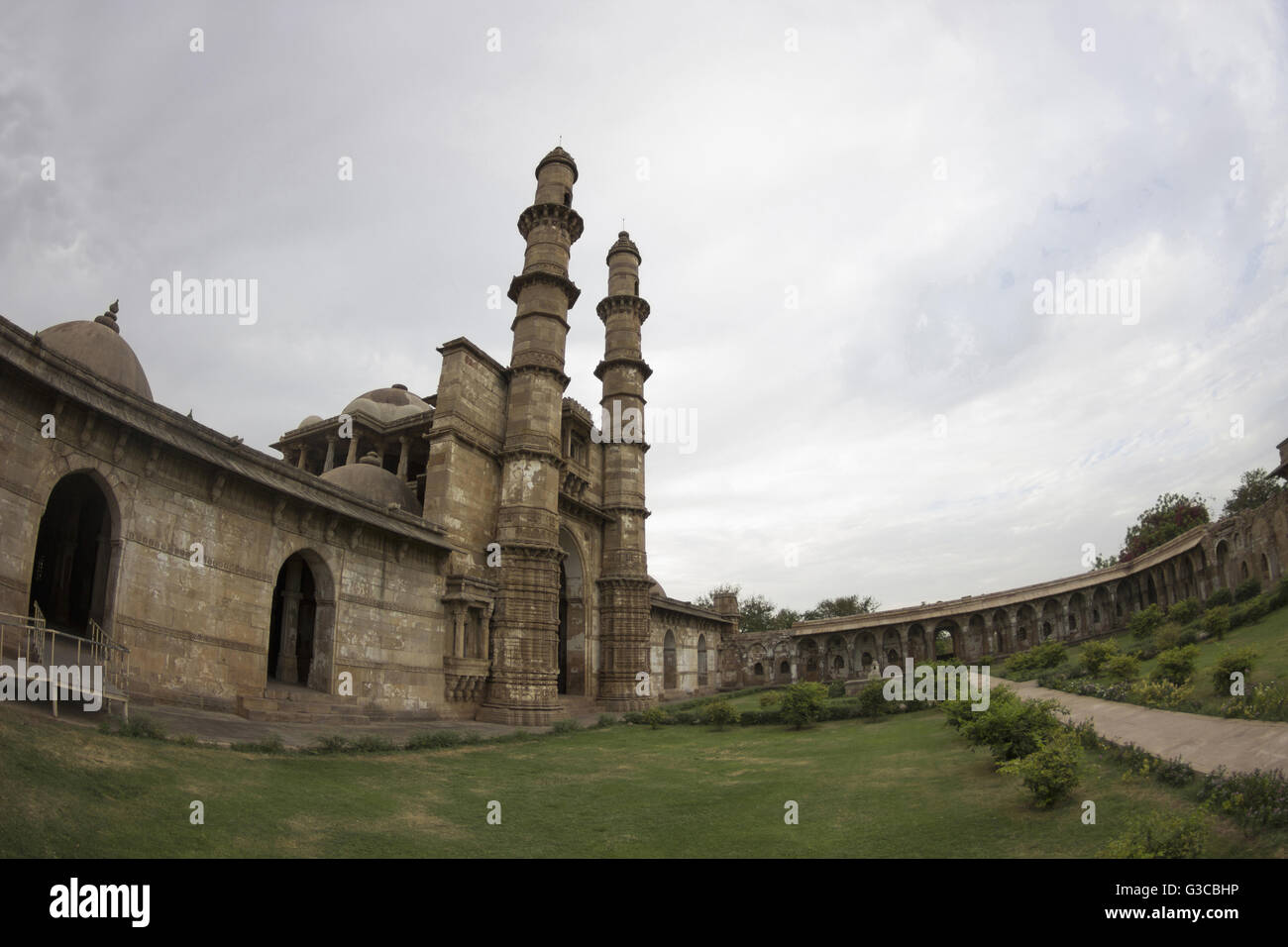Entrance and courtyard. Jami Masjid or Mosque. Champaner Pavagadh Archaeological Park. UNESCO World Heritage Site. Stock Photo