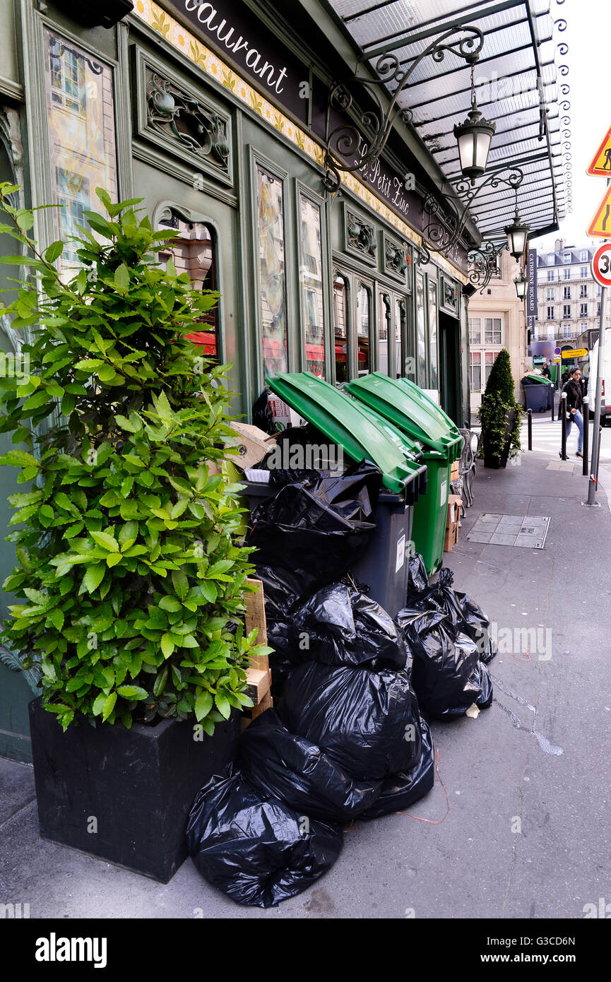 Garbage collect on strike in Paris - Stock Image