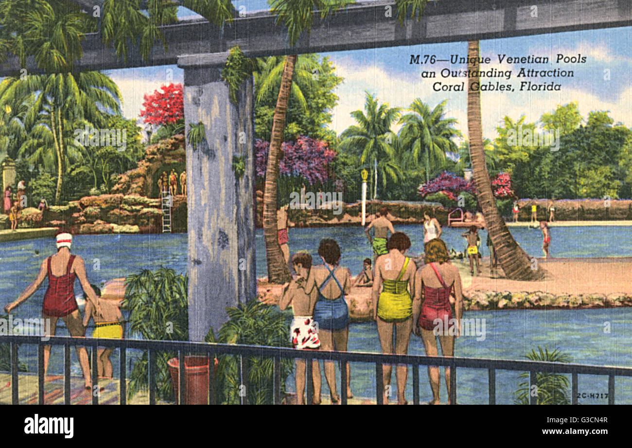 Swimmers enjoying the Venetian Pools at Coral Gables, just south of Miami, Florida, USA.      Date: 1952 - Stock Image
