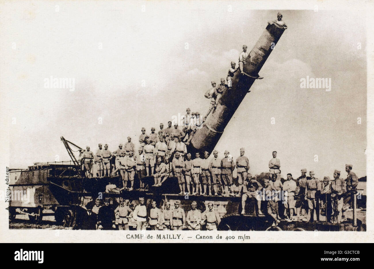 WW1 - Camo de mailly - French 400 mm railway howitzer and artillery squadron. The outbreak of the First World War - Stock Image