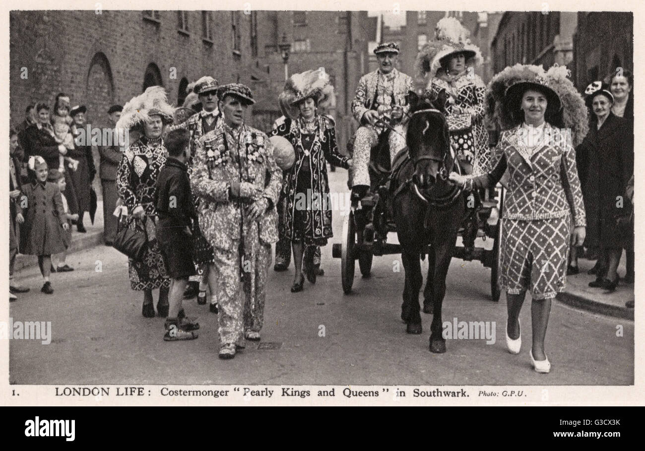 London Life: Costermonger Pearly Kings and Queens, Southwark     Date: circa 1940 - Stock Image