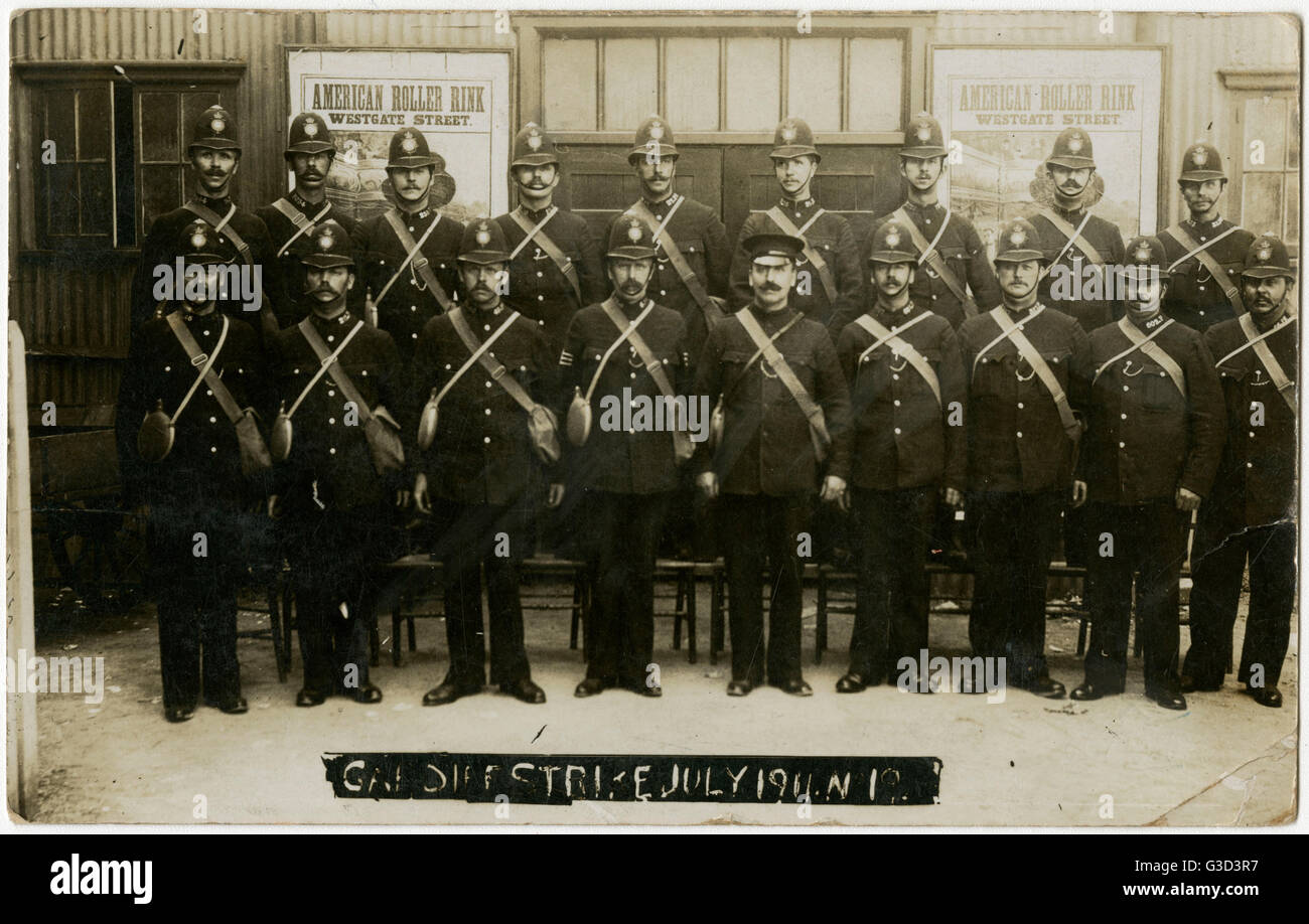 Cardiff Strike - London Policeman brought in to aid management of rioting miners. The Tonypandy Riots, sometimes - Stock Image