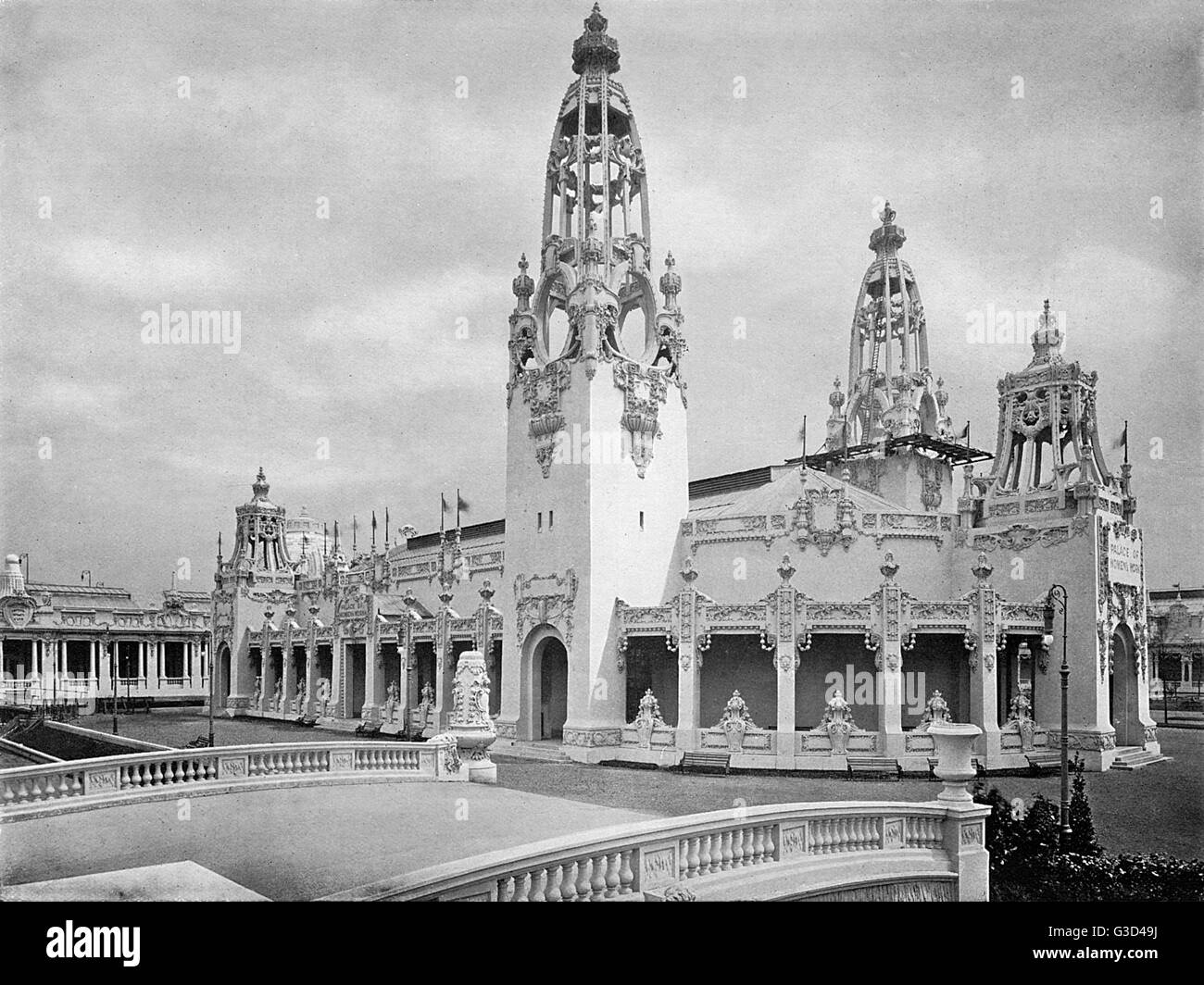 Photograph of the Palace of Women's Work in a souvenir booklet for the Franco-British Exhibition, held at White - Stock Image
