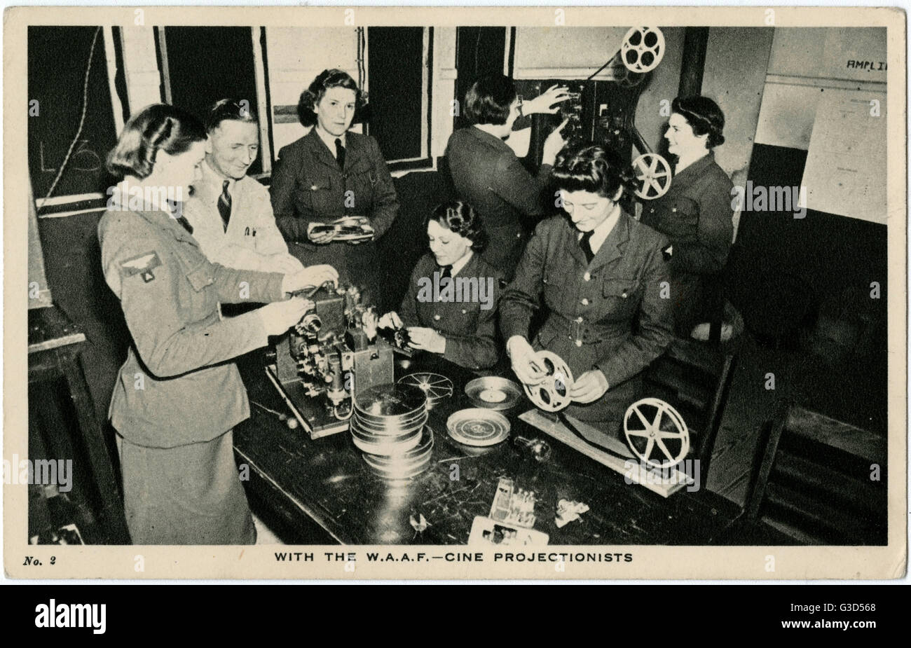 WW2 - With the W.A.A.F. - Cine Projectionists     Date: circa 1942 - Stock Image