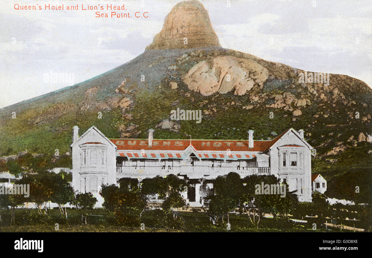 Queen's Hotel and Lion's Head, Sea Point, Cape Town, South Africa.      Date: circa 1910 - Stock Image