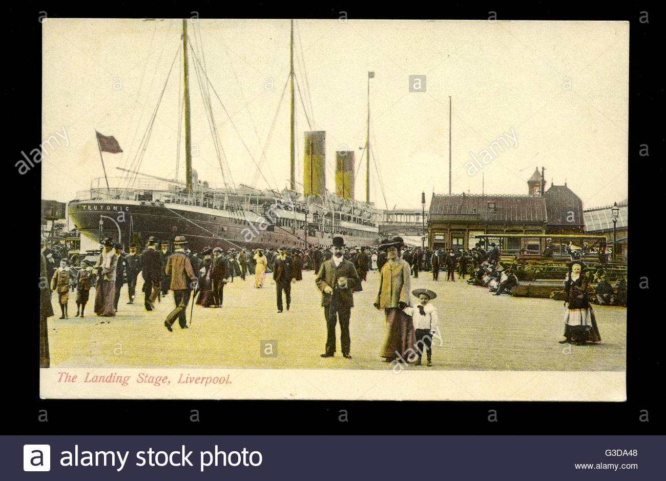 SS Teutonic of the White Star Line at the Liverpool landing stage.      Date: circa 1904 - Stock Image