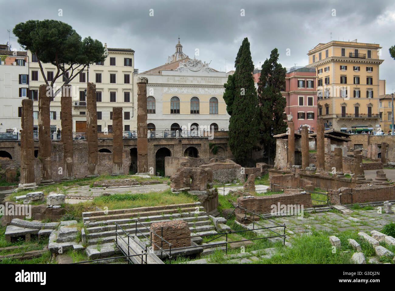Italien, Rom, Largo di Torre Argentina, Tempelruinen des Tempel B - Stock Image
