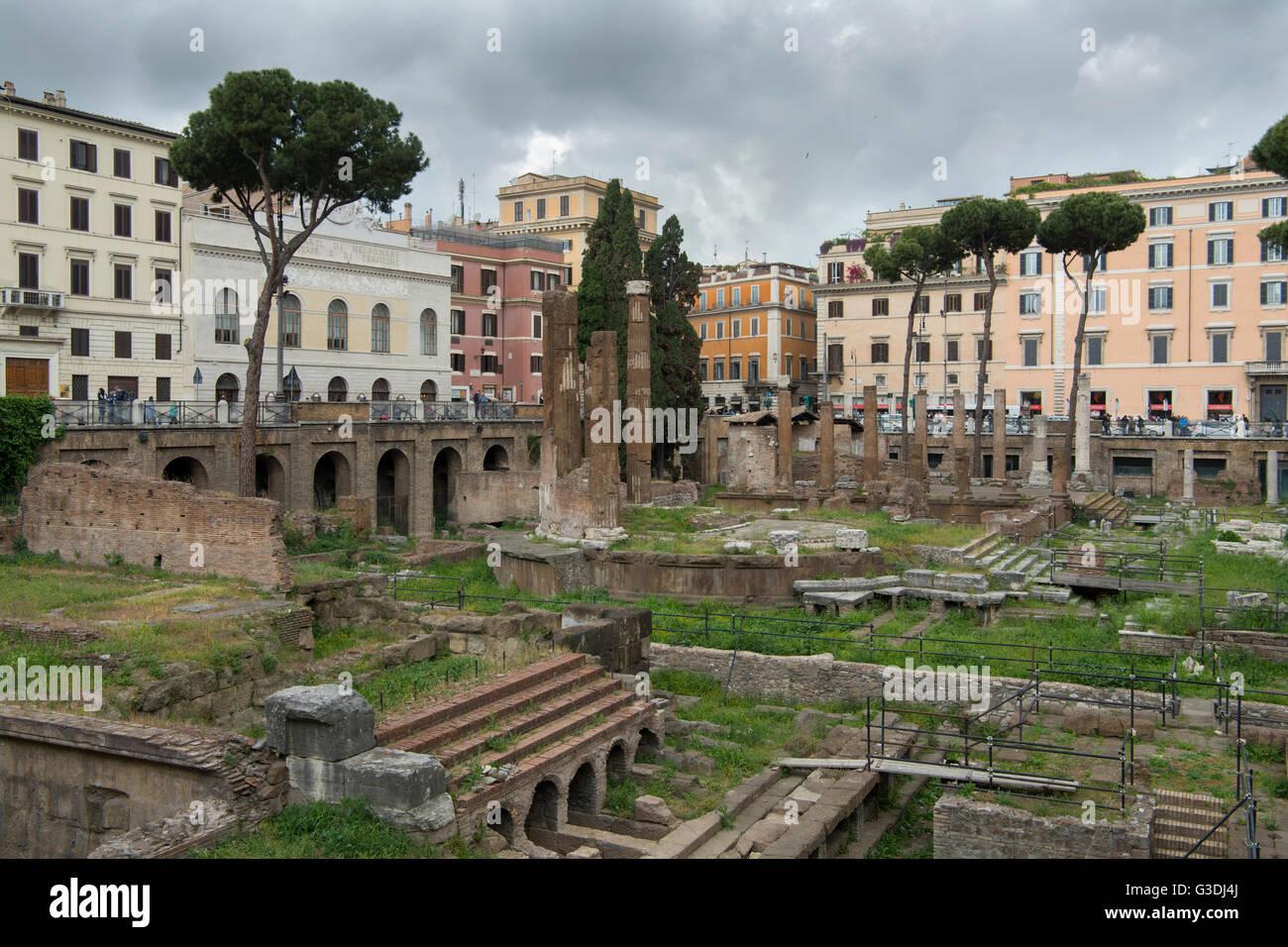 Italien, Rom, Largo di Torre Argentina, Tempelruinen des Tempel C und B - Stock Image
