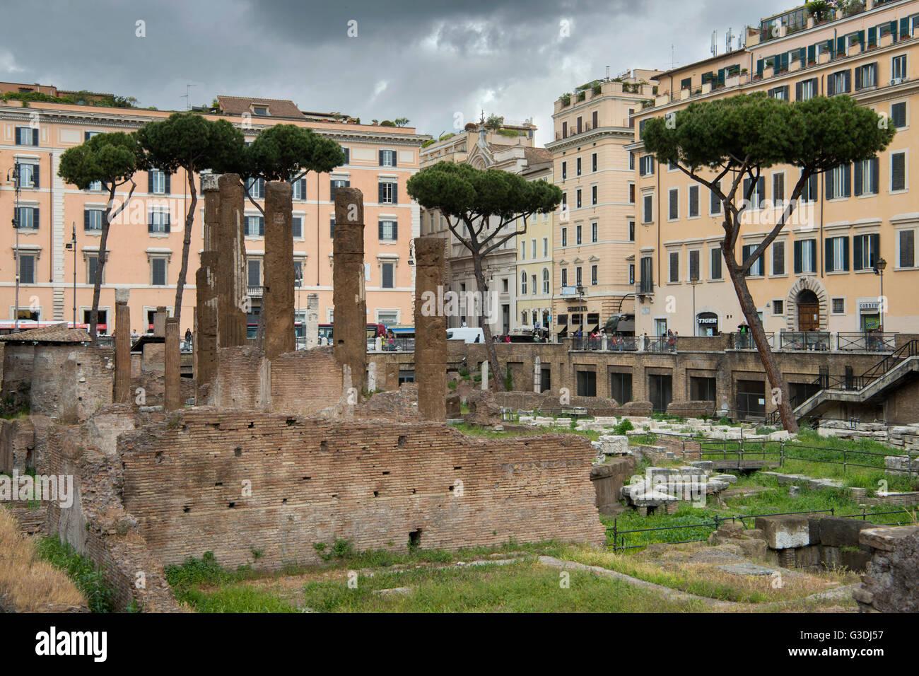 Italien, Rom, Largo di Torre Argentina, Tempelruinen - Stock Image