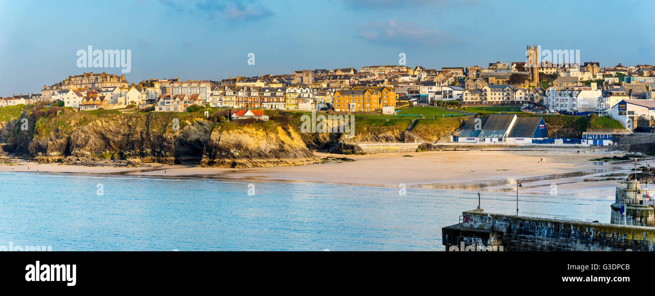 Evening view of Towan Beach and the Town. Newquay, Cornwall, UK. - Stock Image