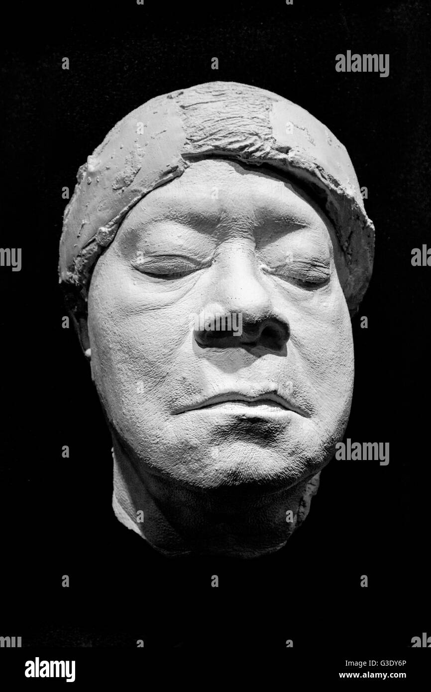 A face cast sculpture made of resin of Rhythm & Blues Musician: Ruth Brown on black background Stock Photo