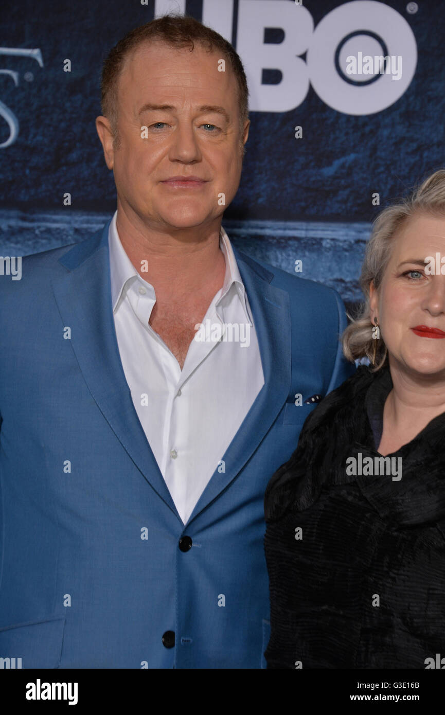 LOS ANGELES, CA. April 10, 2016: Actor Owen Teale at the season 6 premiere of Game of Thrones at the TCL Chinese - Stock Image