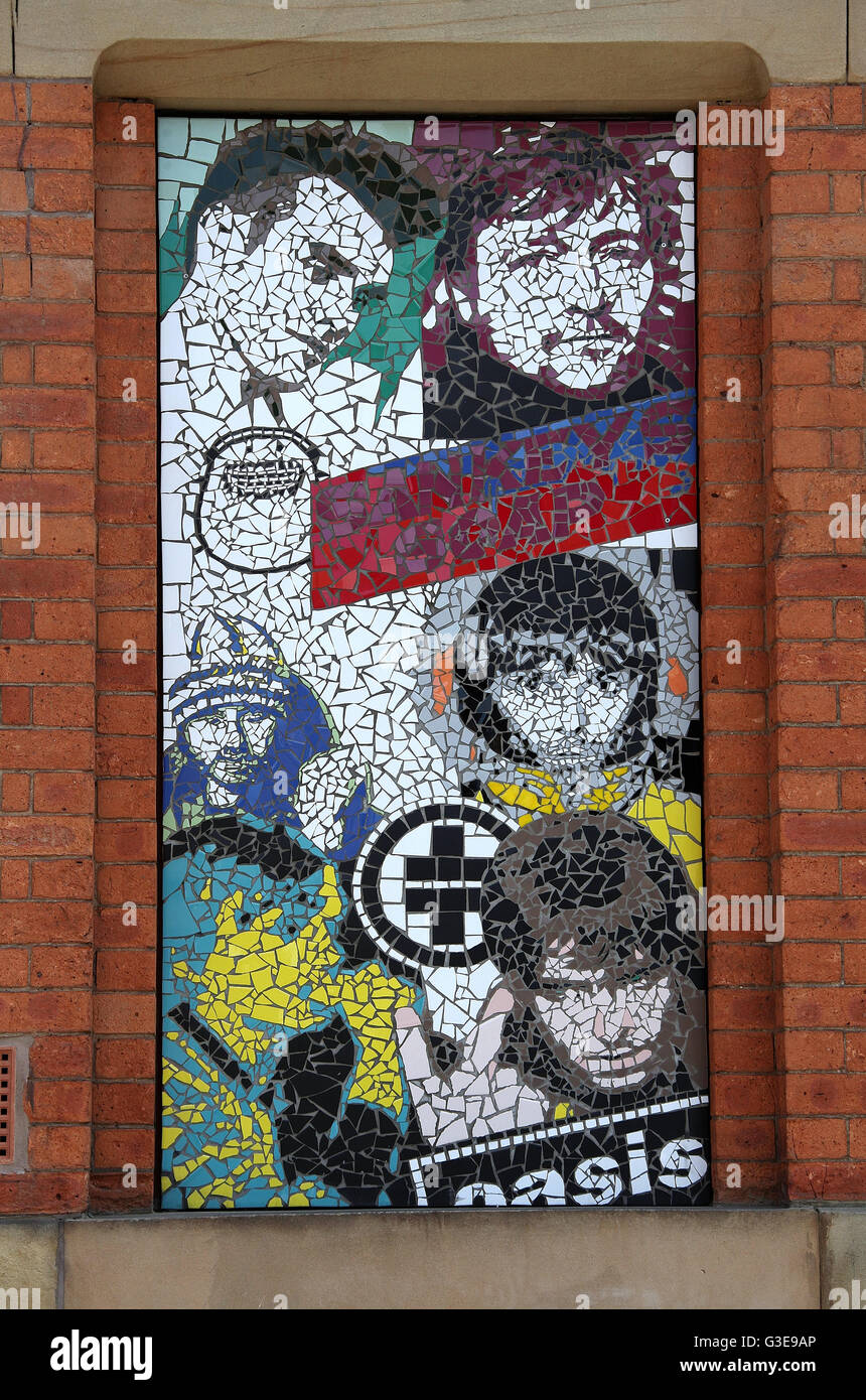 Manchester mosaic created by Mark Kennedy on Afflecks famous emporium in the Northern Quarter of the city - Stock Image