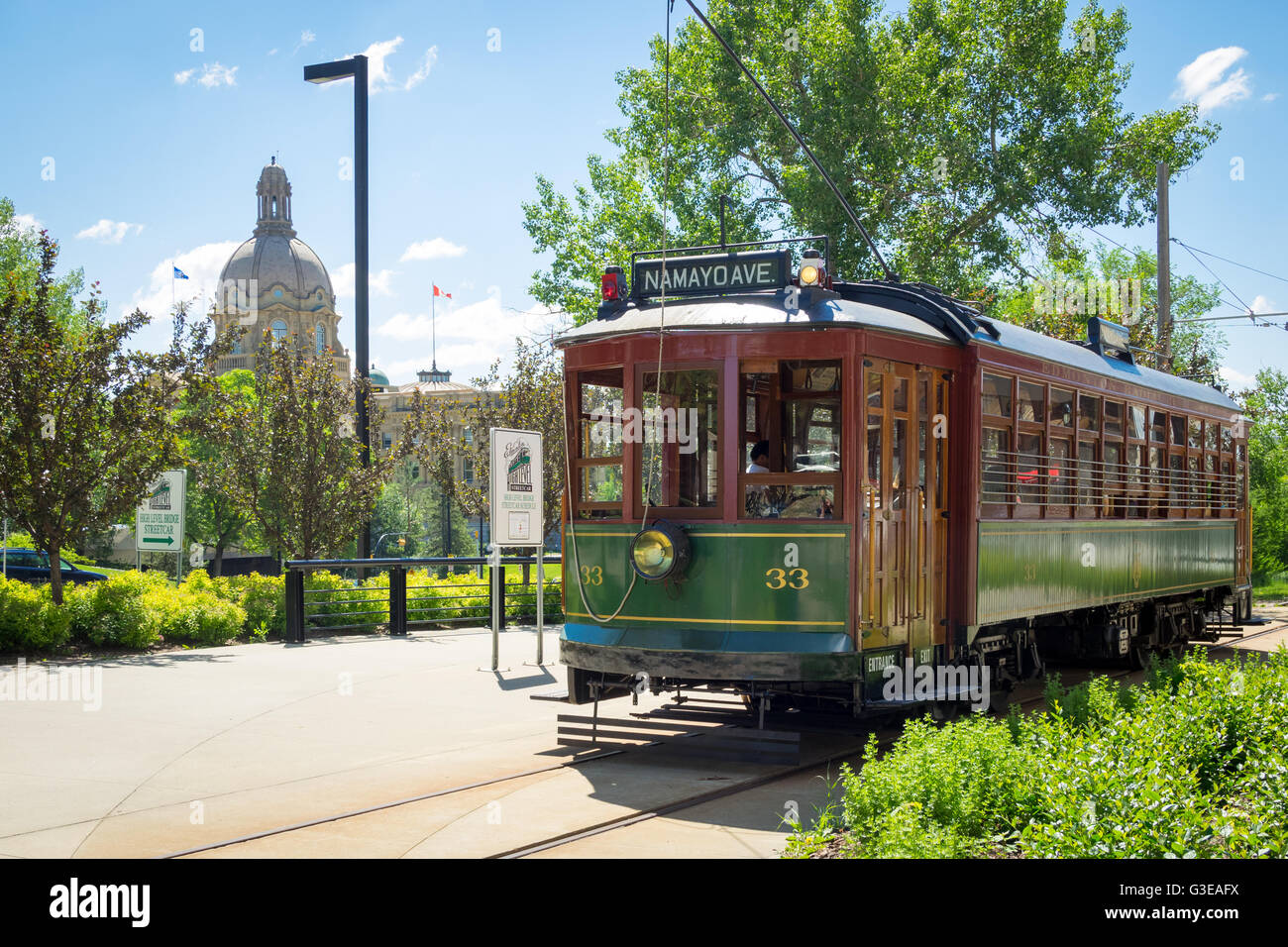 The High Level Bridge Streetcar in Edmonton, Alberta, Canada. Edmonton Streetcar #33 shown; Alberta Legislature - Stock Image