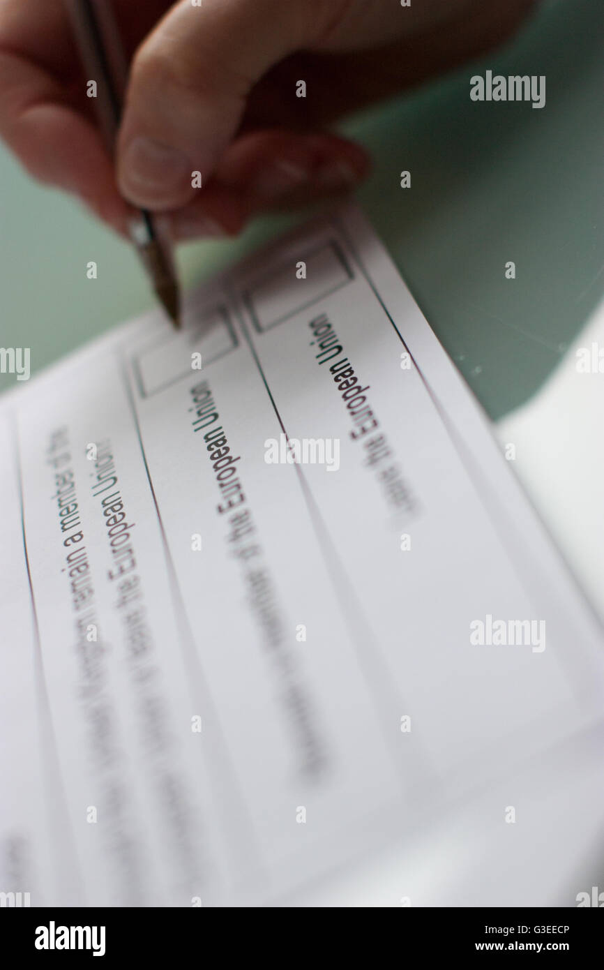 Filling in Referendum on the United Kingdom's membership of the European union, postal vote, ballot form for - Stock Image