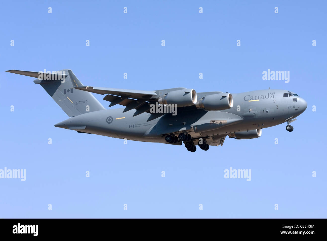 Canadian Air Force Boeing CC-177 Globemaster III (C-17A) on finals runway 06. - Stock Photo