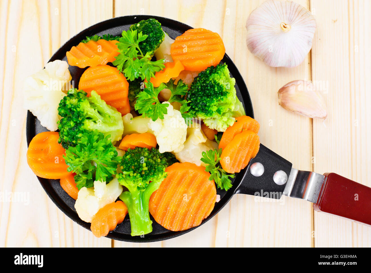 Steamed Vegetables Potatoes Carrots Cauliflower Broccoli Stock Photo Alamy