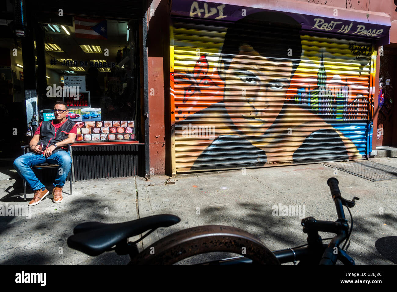 New York, NY 10 June 2016 - Memorial mural for Muhammad Ali in the East Village neighbourhood of Manhattan ©Stacy Stock Photo